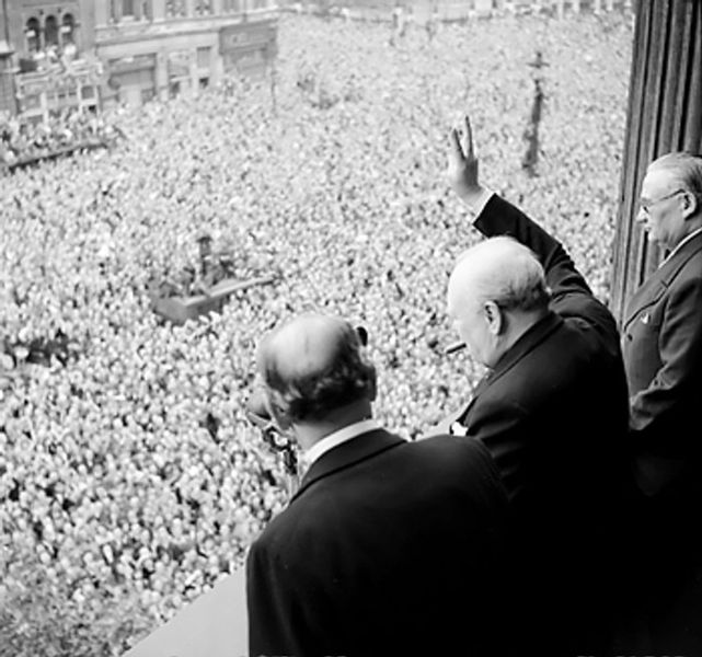 VE Day Churchill