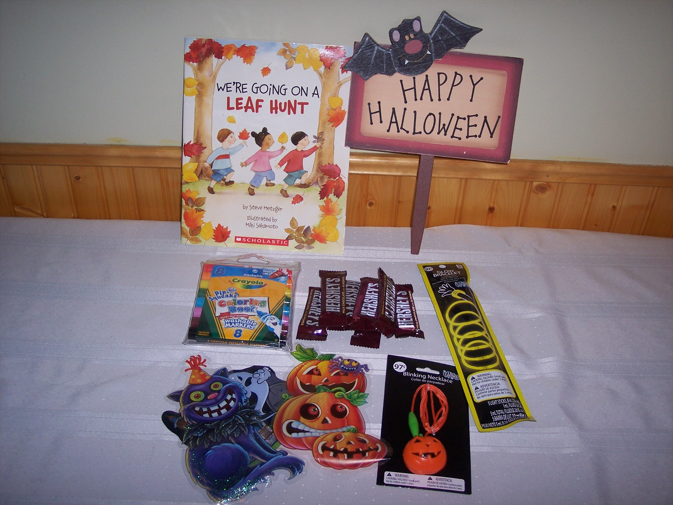 How to Make a Halloween Gift Basket for Kids | JAQUO Lifestyle ...