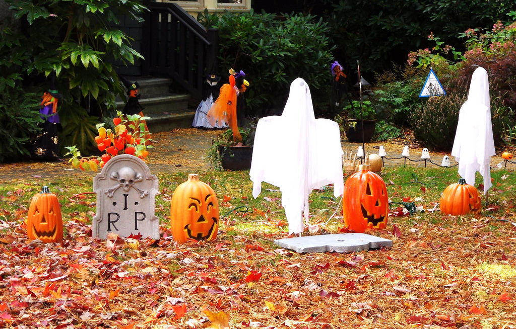 set up a ghostly presence in your yard - Halloween Yard Decorations