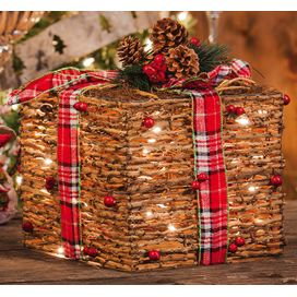 Wrapped-Rattan-Present-8TAW111