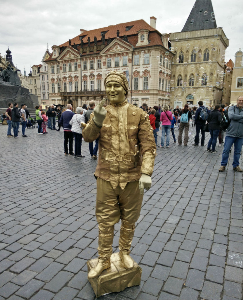 PRAGUE_the-gold-man sm